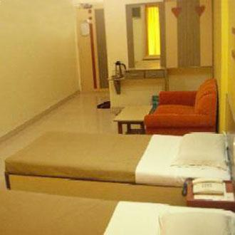 Hotel Woodland Regency, Silvassa