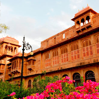 WelcomHeritage Lallgarh Palace